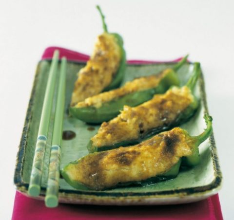 Peperoni ripieni di trota e gamberetti